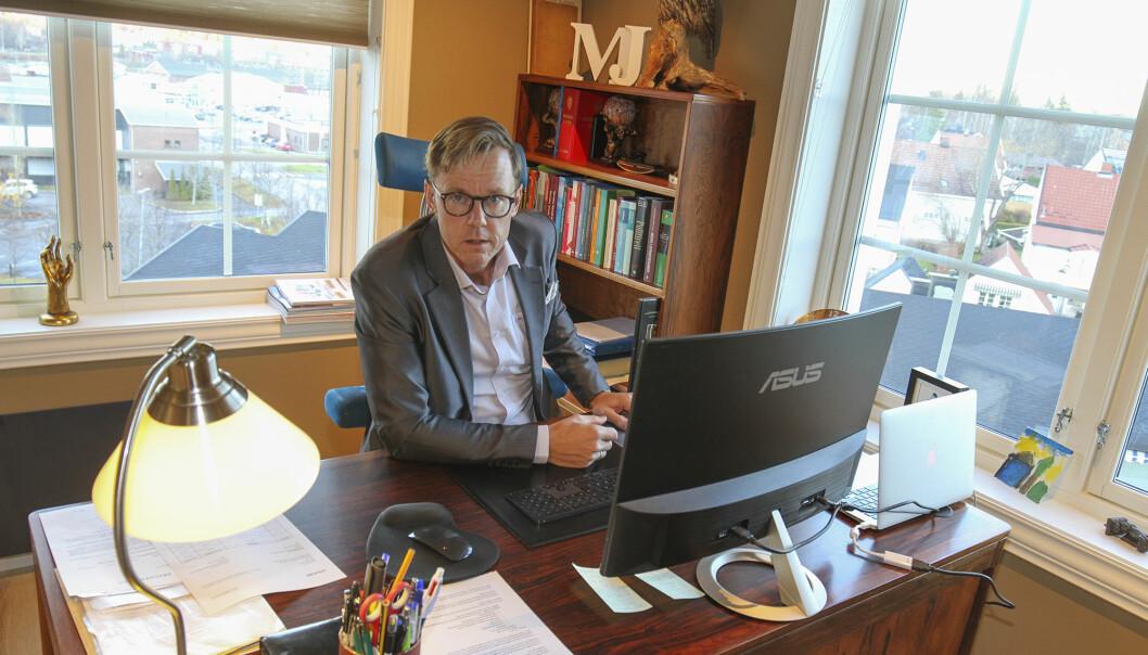 Advokat Jørn Mejdell Jakobsen oppfordrer folk til å sette seg inn i hva en fremtidsfullmakt er.