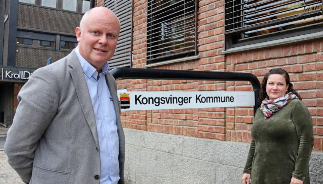 Rådmann Lars Andreas Uglem og ordfører Margrethe Haarr i Kongsvinger viser til økt smitte blant hos de unge.