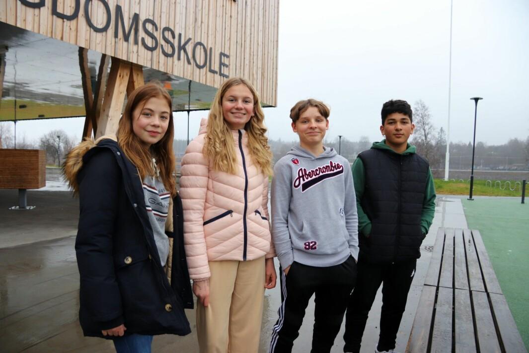 Fra venstre: Sandra Paulsen (13), Felicia Nilsen (13), Jesper Fagernes (13) og Fayaz Ahmad (14).