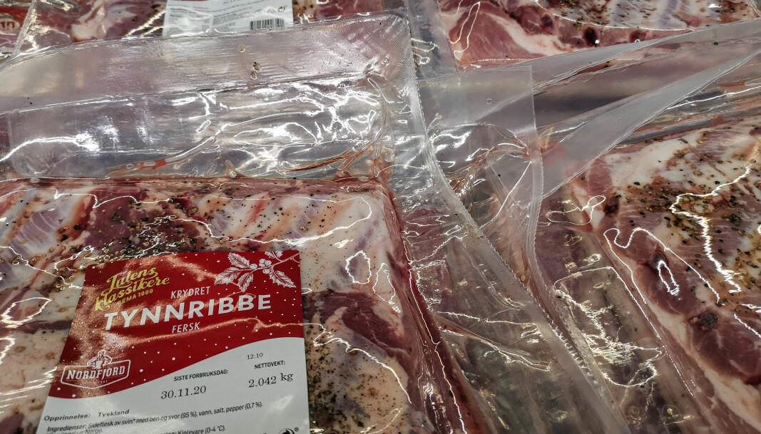 Årets ribbe kan komme fra flere ulike land. Det meste er hentet fra norsk gris, men du kan oppleve å finne både tysk og finsk ribbe i butikkene.