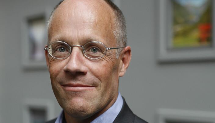 Jens Christian Riege, advokat i NAF, mener kommunen ikke har grunnlag for å kreve inn parkeringsgebyr for riktig skilting er på plass.