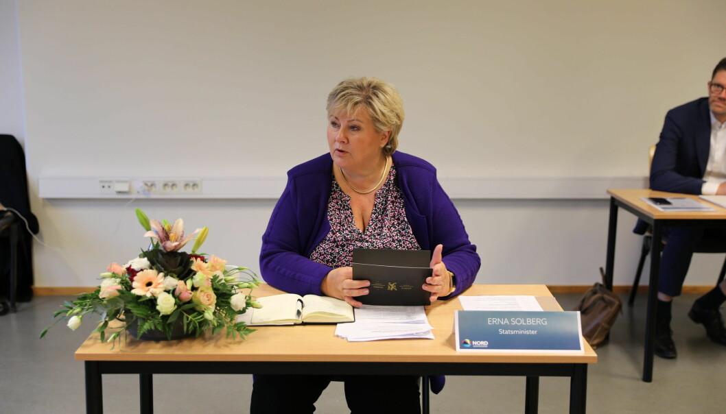 Statsminister Erna Solberg skryter av Kongsvingers satsing innenfor eldreomsorgen.
