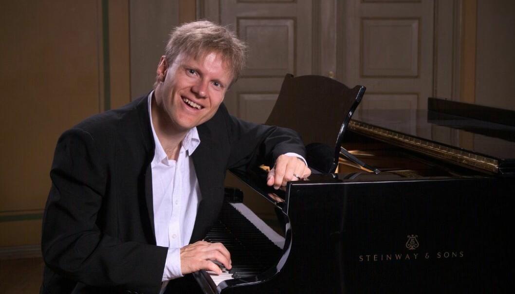 Pianist og æresborger Håvard Gimse skulle få en ekspert til å frisere sitt omstridte lønnetre i hagen. Konklusjonen eksperten endte opp med var overraskende for mange.