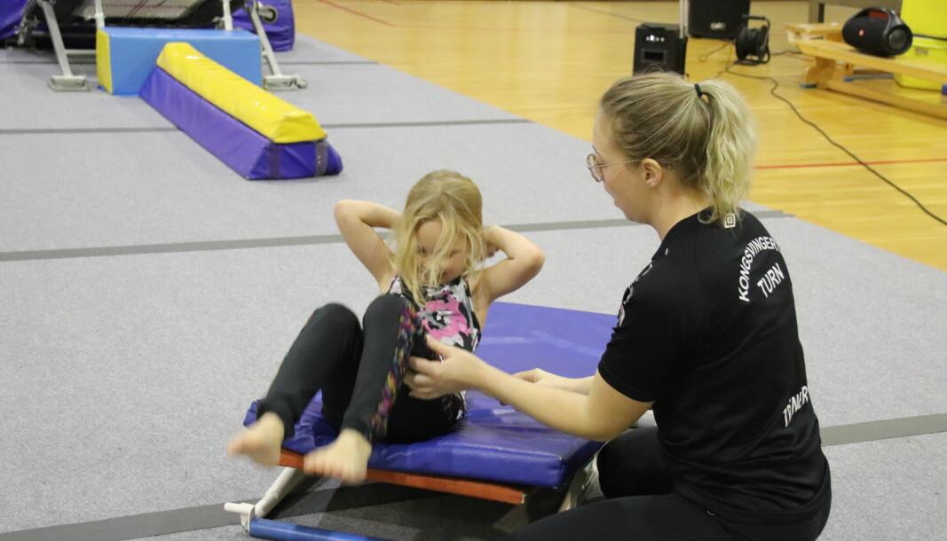 KIL Turn har sine treninger i i Holthallen. Mitt Kongsvinger var i november med på «Gymlek» 1 og 2 , turntrening for de yngste utøverne.