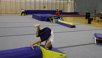 «Gymlek» trener mandager i Holthallen. Bildet er fra en turntrening i november da barneidretten fikk starte opp igjen.