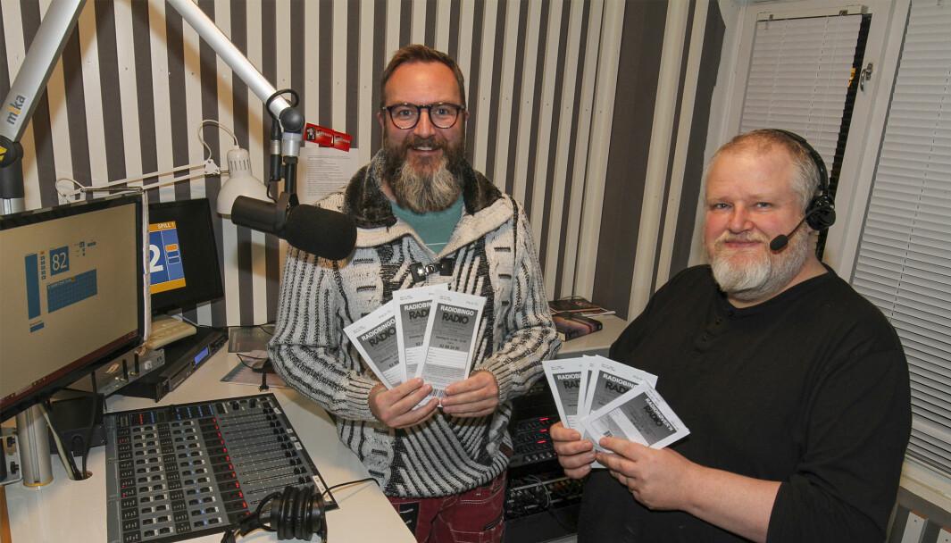 Tom Dahl (t.v.) og Pål Erik Berntsen kan i år sette ny rekord i premieutdeling for radiobingoen.