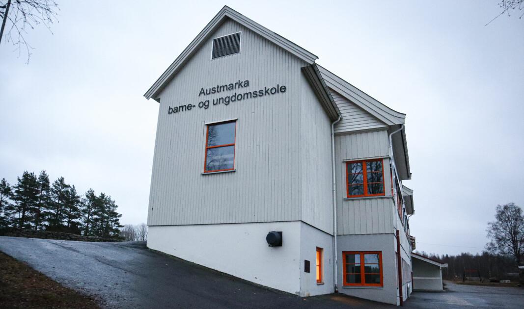 Austmarka barne- og ungdomsskole står i fare for å bli nedlagt.