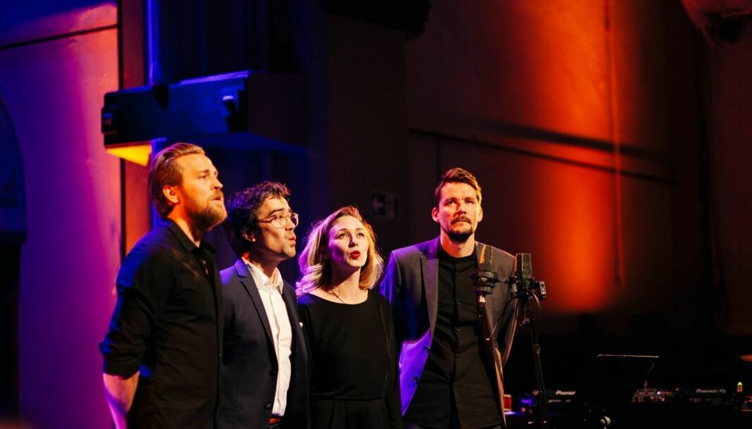 Når Gaute har litt fritid, spiller han i et slags nynorsk coverband med skuespillerne Tobias Santelmann, Marie Blokkhus, og Herman Sabado kalt The Young Suffering Ensembla.