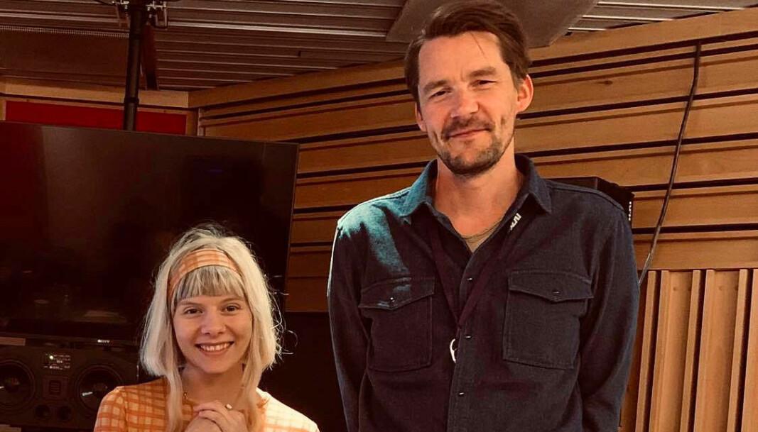 """Aurora kom inn som en vind for å synge på Gaute Tønders tittelmelodi i NRKs julekalender """"Stjernestøv"""". Det ble en vanvittig god match, ifølge komponisten."""