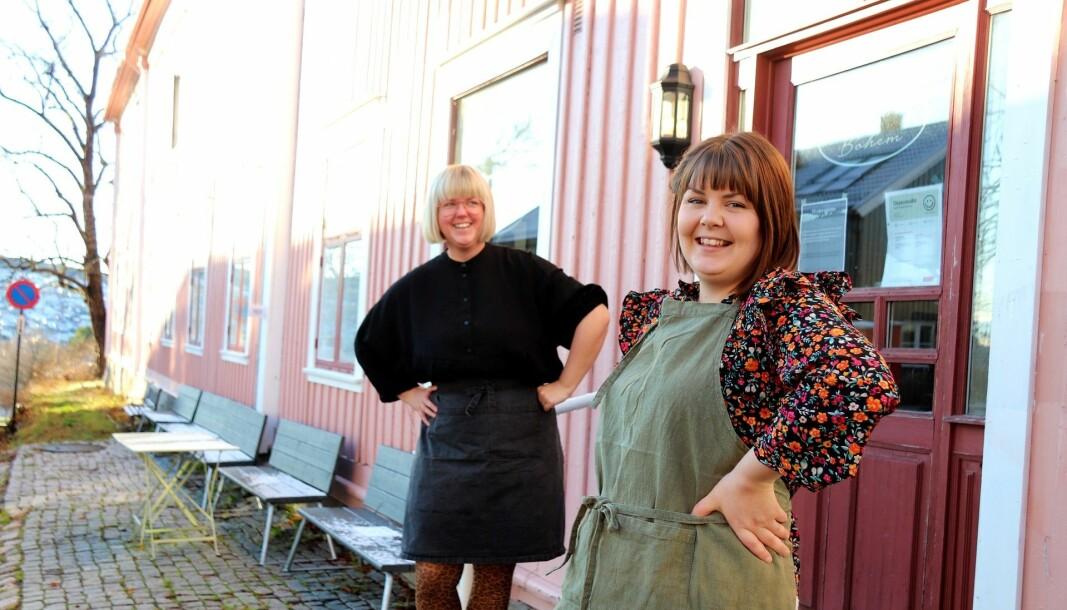 Mari Søbye Østlid (t.h.) og Toril Ramstad i Kafe Bohem