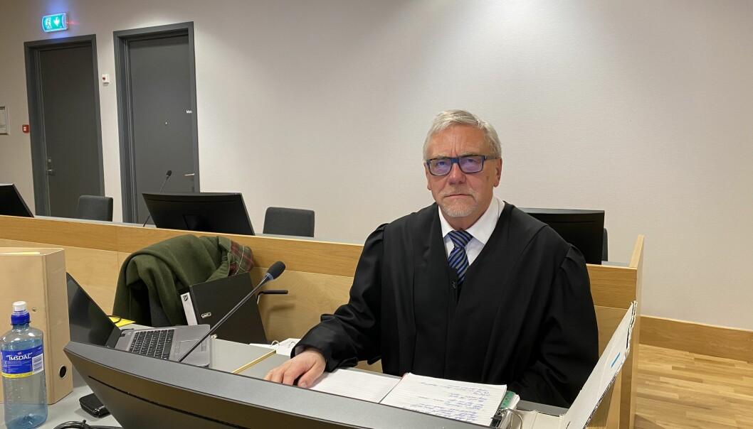 Aktor Helge A. Eidsvaag la ned påstand om fengsel i tre år og fire måneders fengsel for mannen som sto tiltalt for vold mot samboeren.