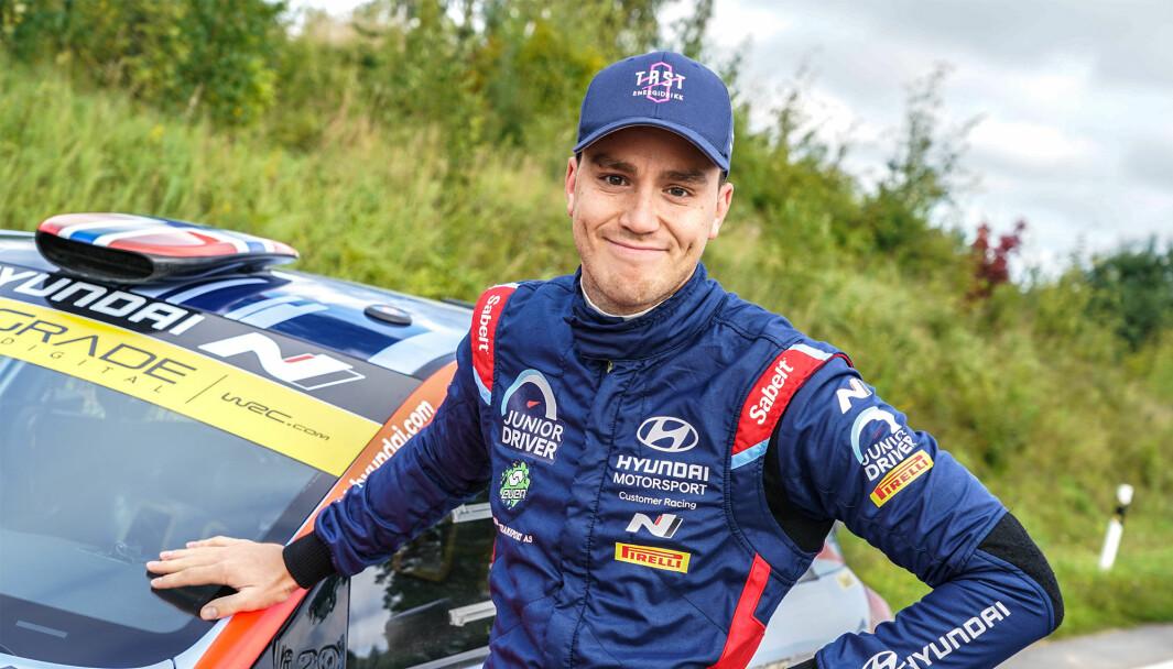 Ole Christian Veiby har signert ny kontrakt med Hyundai Motorsport, og får med seg Oliver Solberg som team-kamerat.