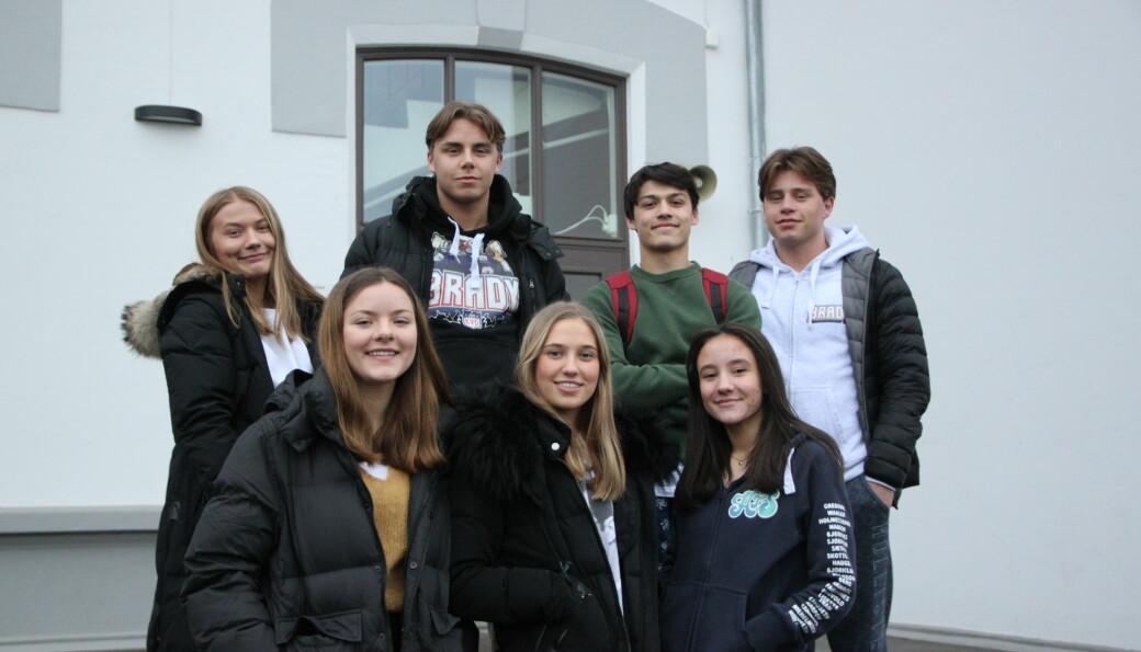 Russestyret på Øvrebyen videregående, her med Kaia Waaler (bak fra venstre), Pål Erik Andersen, Christoffer Mo Heien, Tobias Sørli, Eleanor Samways (foran fra venstre), Elise Karlsrud og Amina Grebovic.