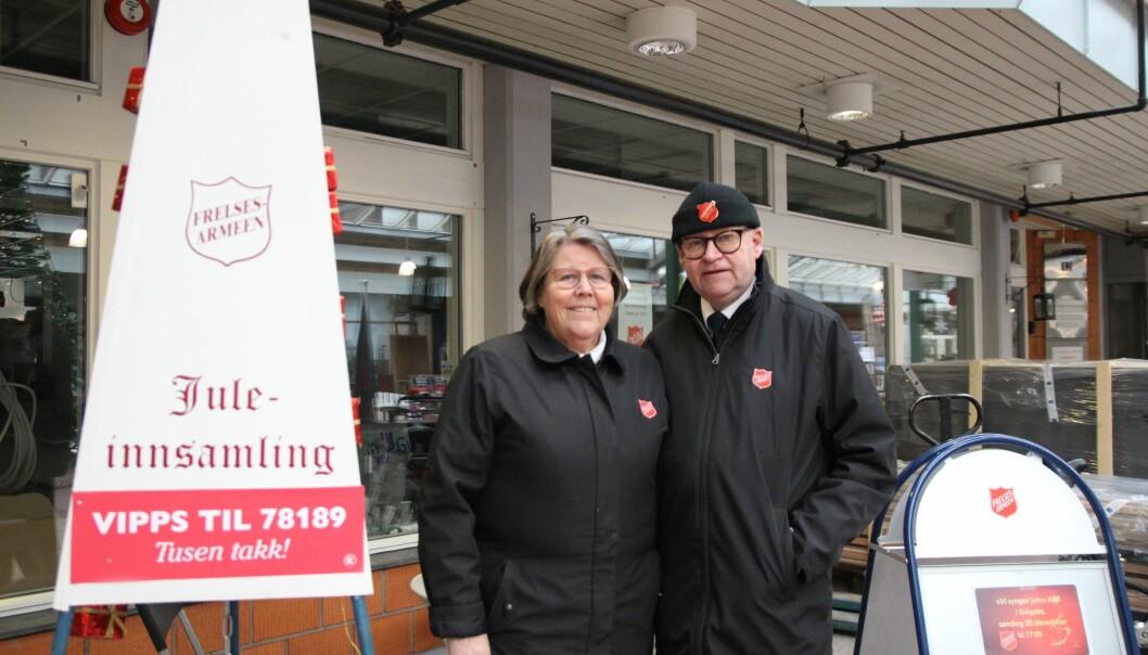 Anne Beth og Leif Erling Fagermo samler inn til jul.