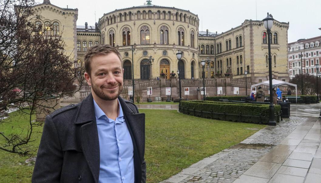 Lars Joakim Hanssen er en sentral person i Frps organisasjon. Før han ble spesialrådgiver på Stortinget, var han statssekretær ved Statsministerens kontor.