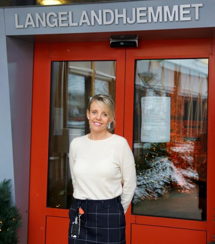 Enhetsleder på Langelandhjemmet, Renate Mikkelsen mener det oppleves som trygt for pasienter å bli vaksinert av ansatte de kjenner.