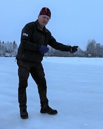 Isen på Holt ble til med slanger i gamledager. Ofte i bitende kulde, slik Jappe husker det.