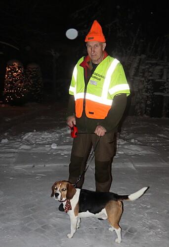 Leif Nilsen og hunden Tico er med i fallviltgruppa i Kongsvinger, og rykker ut til alle døgnets tider for å ta hånd om skadd vilt etter påkjørsler