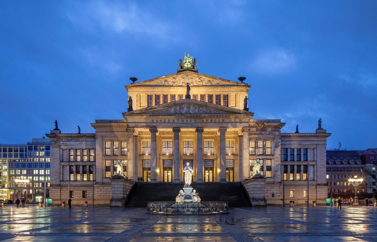 Erika Lie debuterte i selveste Königliches Schauspielhaus i Berlin høsten 1866.