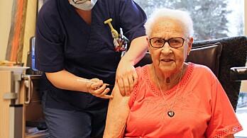 Thora Marit (90) fikk den første vaksinen i Kongsvinger