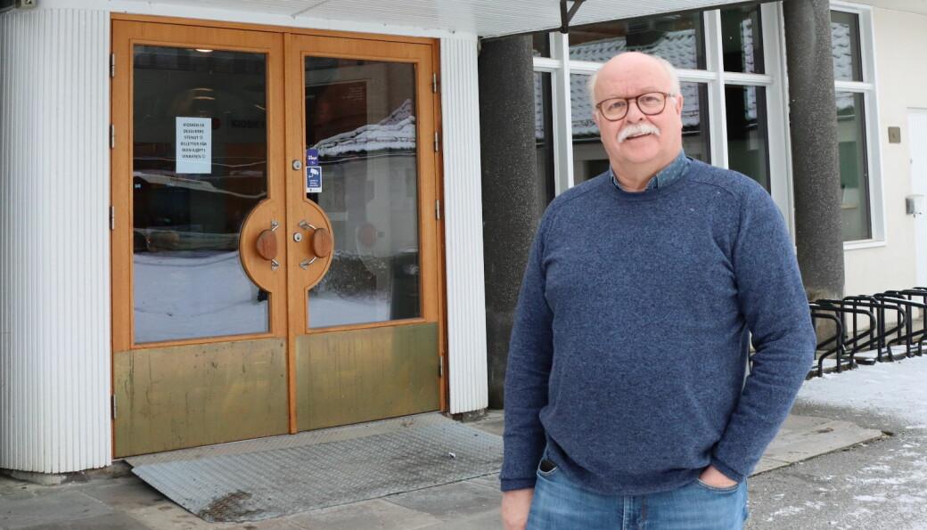 Enhetsleder for kultur, idrett og fritid, Stig Fonås, oppfordrer interessenter av det gamle hockeyvantet i Kongshallen til å søke.