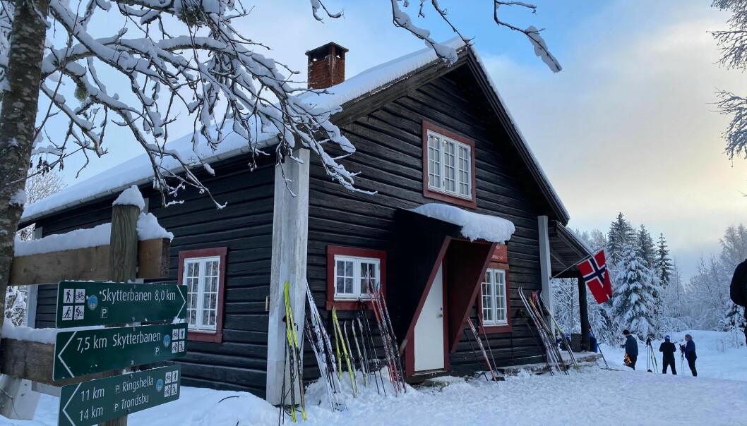 Skihytta på Tjernsli var et populært turmål for mange i helga.