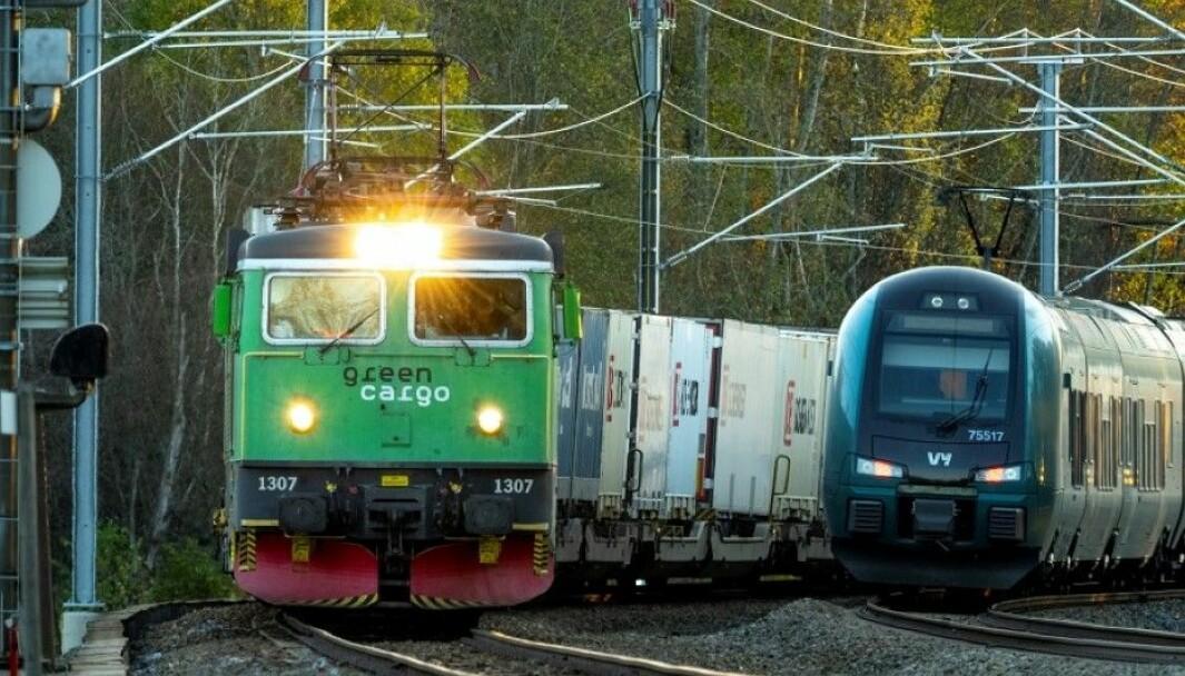 Sjur Strand er oppgitt over Jernbanedirektoratets planer - eller rettere sagt manglende planer, for Kongsvingerbanen.