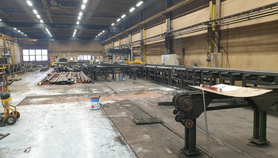 Det gamle anlegget fra 2000-tallet er nedmontert, og inn skal nytt utstyr som bidrar til økt produktivitet og sikkerhet.
