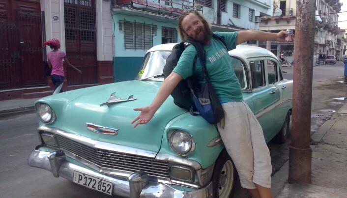 Cuba var en favoritt for Pakarinen. Her poserer han med en klassisk cubansk bil.