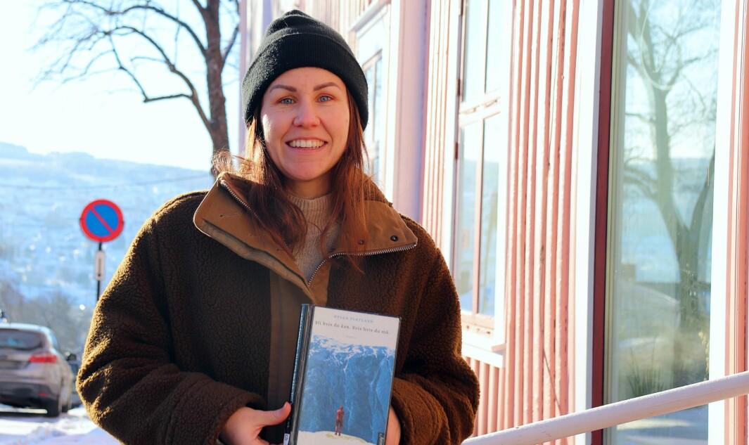 Hanne Kure Bjugstad i Kongsvinger bibliotek og Kafe Bohem lager bokklubb for unge voksne. Det er flere gode bøker som omhandler ungt voksenliv mener Hanne, samtidig som biblioteket ønsker å rette seg mot denne målgruppen.