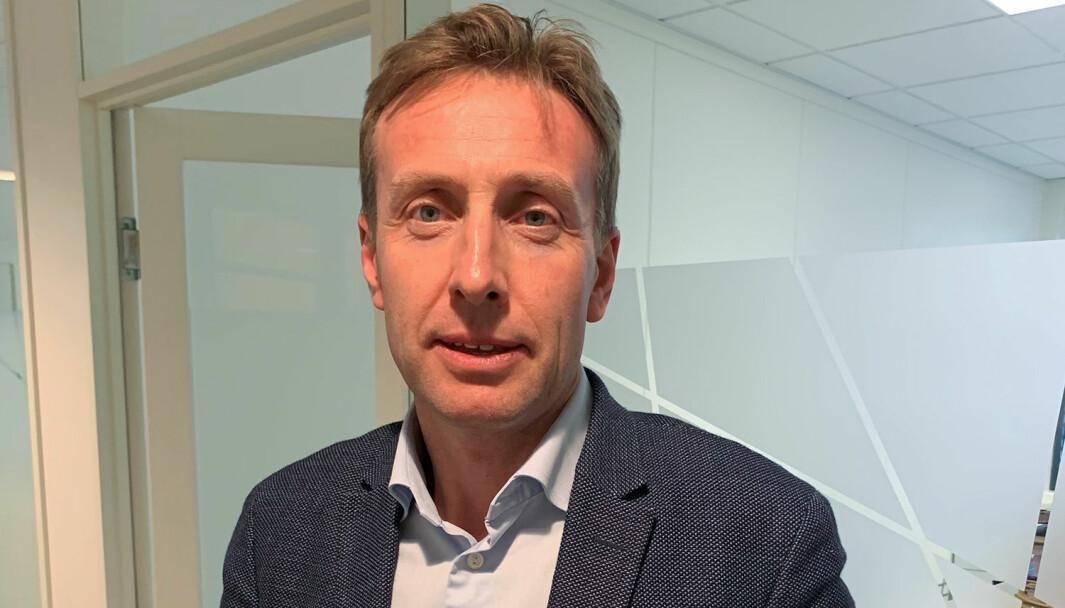 Advokat Gard A. Lier er glad på sin klients vegne etter at Glåmdal tingrett frikjente ham for tre alvorlige tiltaleposter. Nå skal den domfelte kongsvingermannen gjennomgå et narkotikaprogram.