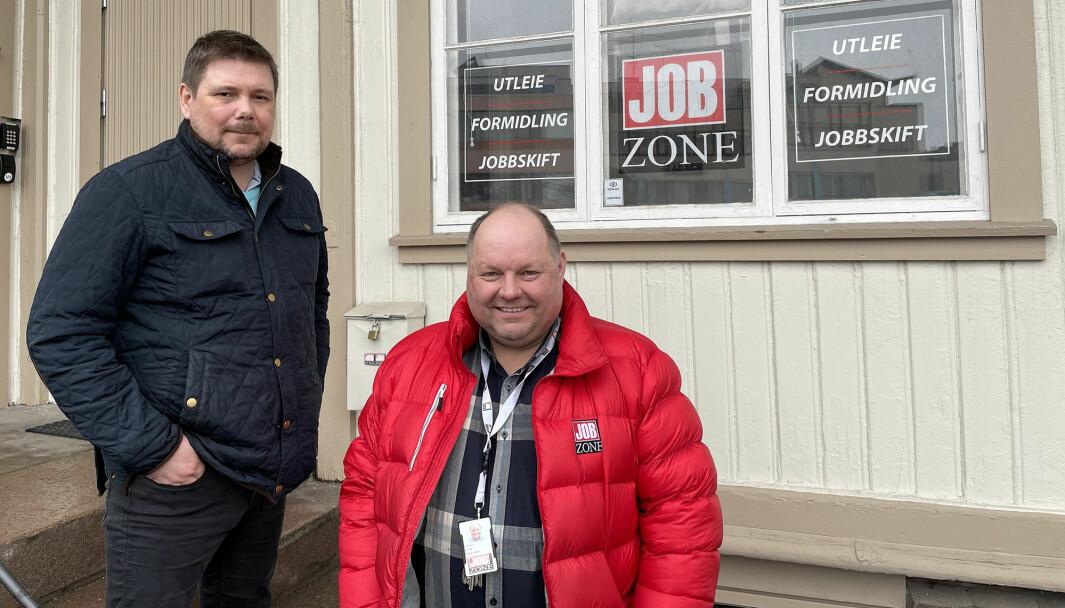 Nils Kristian Skjæret (t.v.) og Per Toni Grundt hos Jobzone vil gjerne ha tips om kandidater som fortjener en påskjønnelse.
