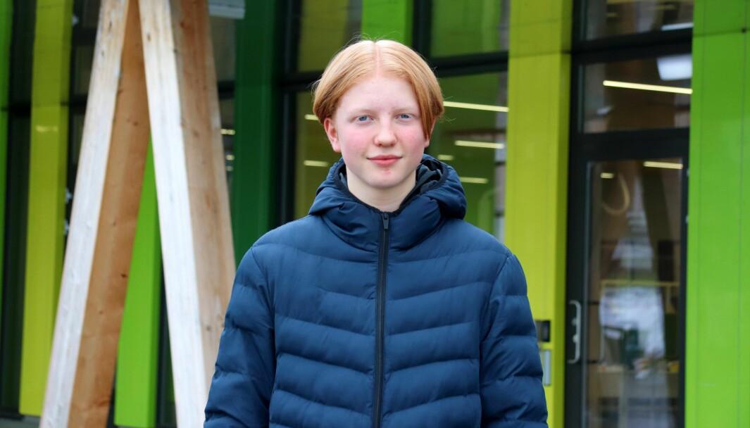 Elevrådsleder Magnus Hirsch Sandvold (15) ba kommunen se på andre løsninger enn å bruke skolens helsesykepleier til vaksineringen.