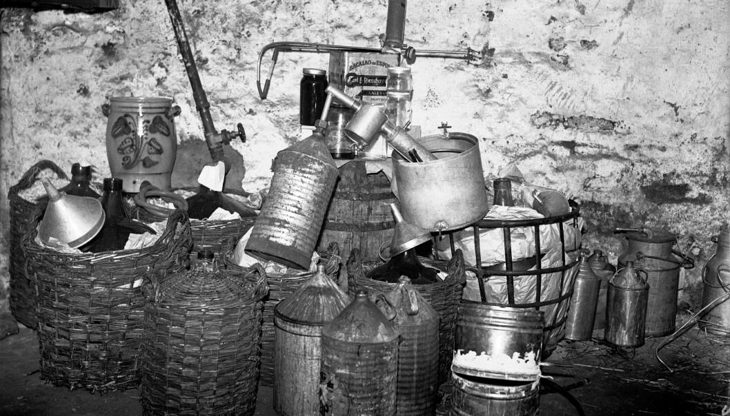 «Kjøpebrennevin» var dyrt, og det åpnet et marked for hjemmebrent. På begynnelsen av 1930-tallet ble datidens største hjemmebrentsak rullet opp i Kongsvinger.