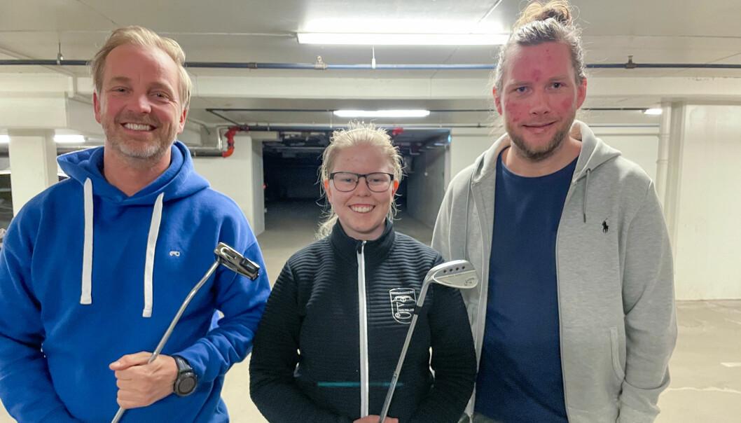 Ole Petter Vibekken (t.v.) og Roy Onsrud får besøk av Magnea Gudmundsdottir i nyeste episode av Prøvesving.