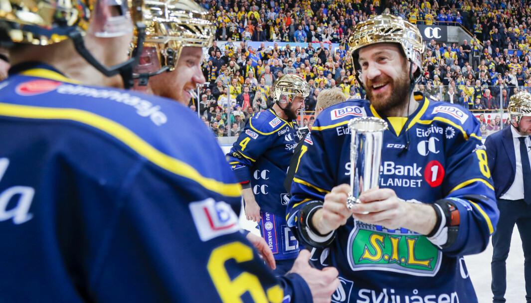 Eirik Skadsdammen har omsider flyttet tilbake til Kongsvinger etter mange år i Storhamar og Hamar, hvor han har hatt stor suksess. Her jubler han over å ha fått Kongepokal i 2014