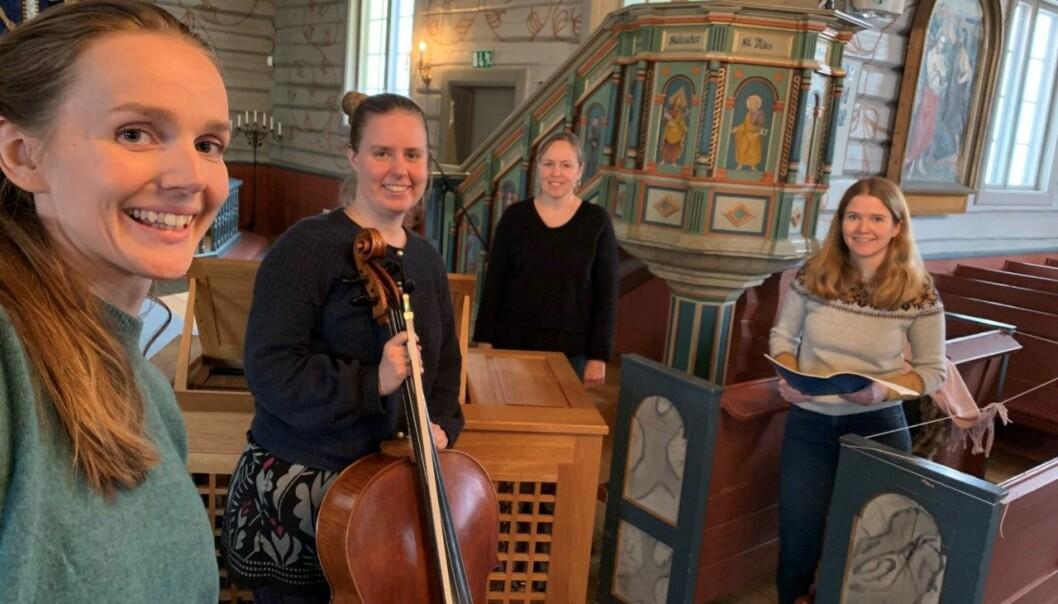 Fra venstre: Marianne Bye Granheim, Marit Johansen, Kristin Lydia Nesse og Guro Hjemli, her under en øvelse til neste ukes konsert.