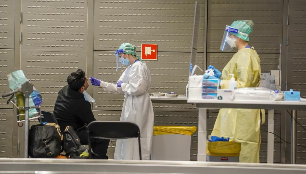 Fra og med torsdag må alle reisende til Norge ha med seg en under 24 timer gammel koronatest.