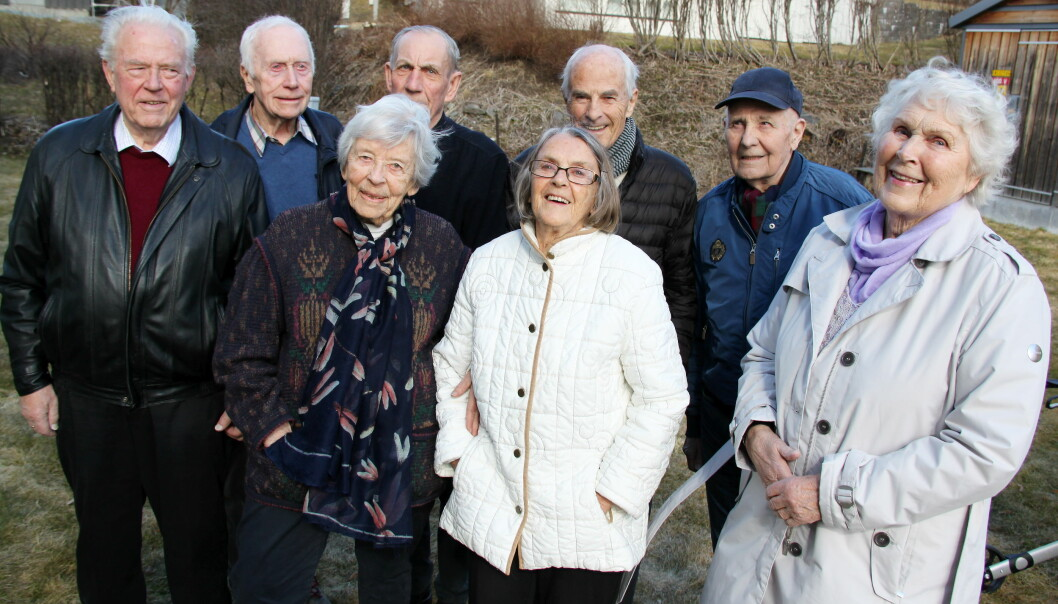 Det blir langt flere av slike innbyggere i 80- og 90-årene i Kongsvinger de nærmeste tiårene, som disse naboene i Tommelstadsgate borettslag, f.v. Kjell Rymoen (82), Erik Krogsrud (87), Karin Melby (88), Finn Hagen (80), Bodil Harstad (83), Åge Melgård (82), Hans Trongaard (91) og Kari Ringstad (88). Ifølge SSB kan det bli dobbelt så mange av dem om 30 år.