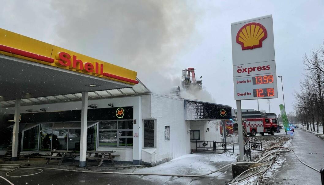Lokalene til Jafs, ved den gamle Shell-stasjonen ved Gjemselund, ble totalskadet i en brann i april.