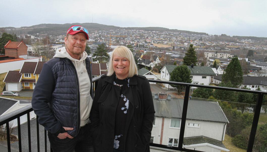 Odd Uno Johansen og Marina Holmestrand ser frem til å få nøklene og overta leiligheten i Løvenskiold Terrasse 3. mai.