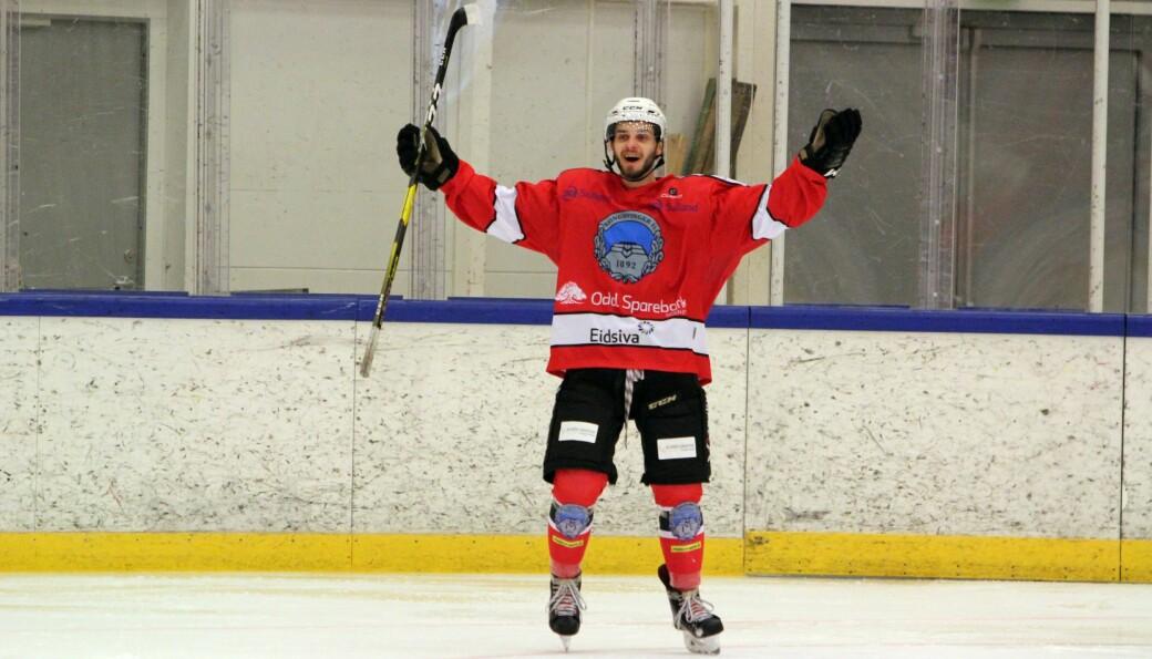 Tom Ivar Hesbråten spiller hockeykamp helt på tampen av sesongen, men skal la skøytene bli igjen.