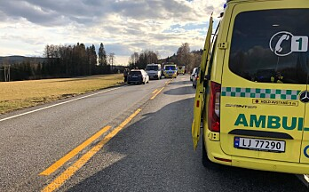 Mann i 50-årene døde i trafikkulykke i Kongsvinger – mindreårig kritisk skadd