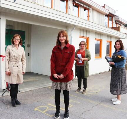 Åpnet biblioteket på Austmarka