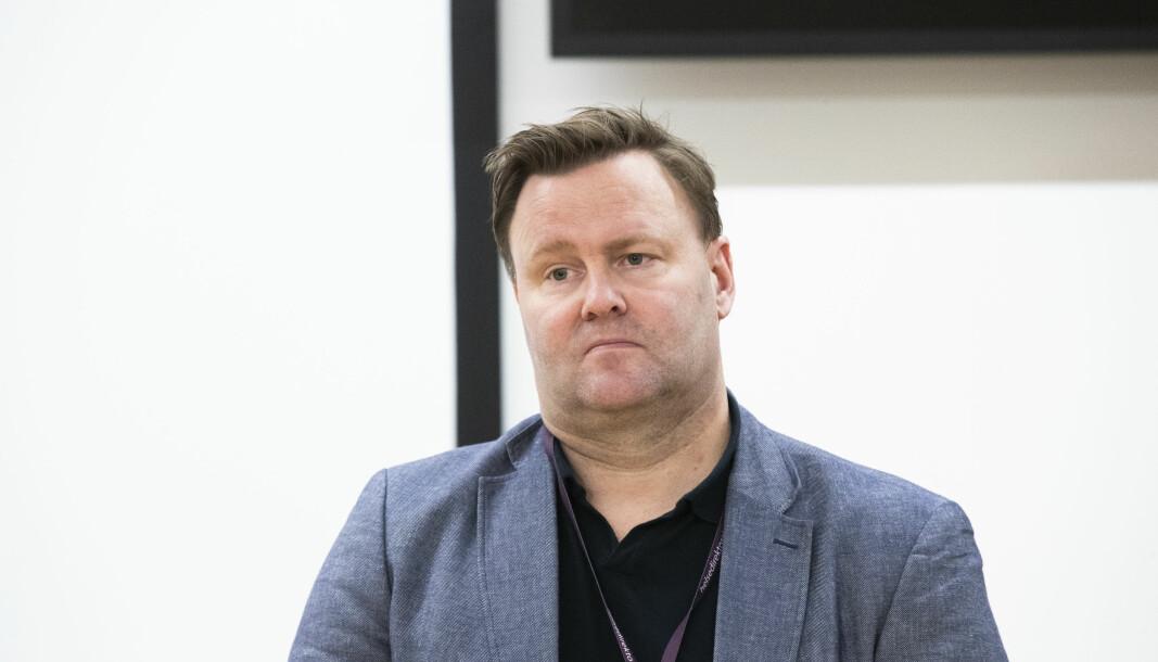 Assisterende helsedirektør Espen Rostrup Nakstad ser ikke bort fra at det kan bli testing ved grensa i mange år femover.