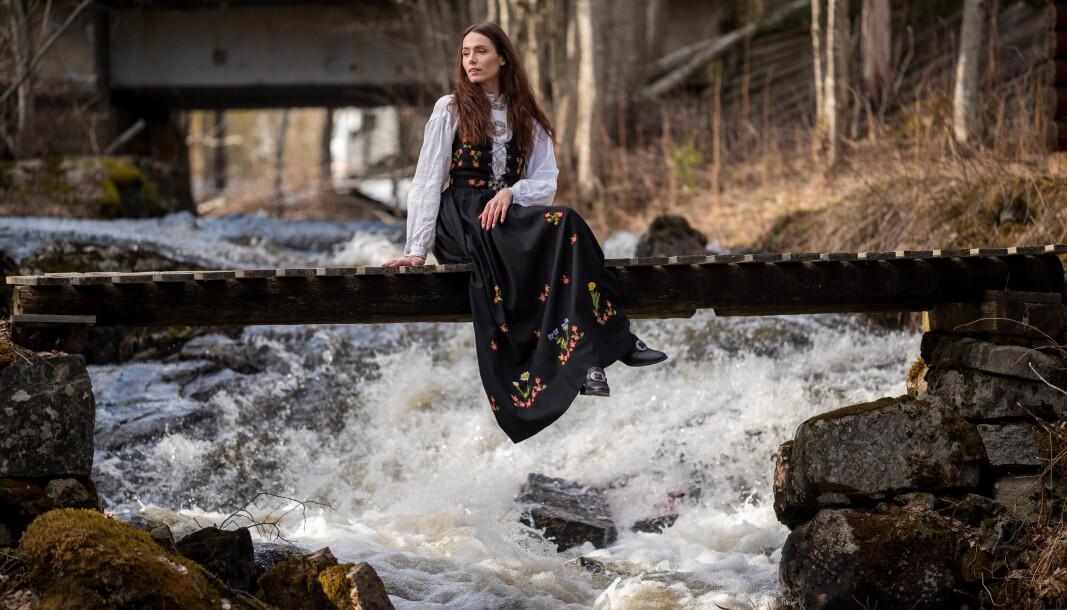 – Jeg er veldig glad for at jeg fikk vokse opp der jeg gjorde, for jeg er veldig glad i skogen, forteller Angelika Catharina Dybendal Kristiansen.