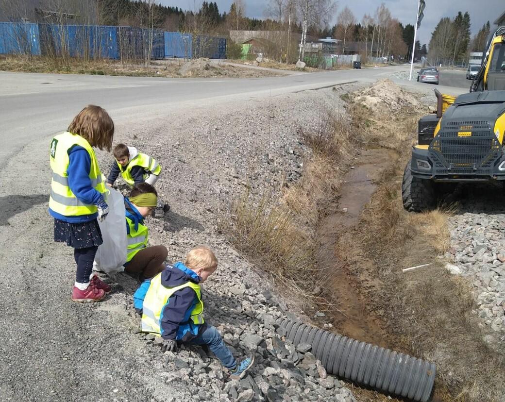 Elevene på Kongsvinger Montessoriskole tok denne uken ikke bare et oppgjør med forsøplingen i gatene og skogene i Kongsvinger, men det globale forurensningsproblemet.