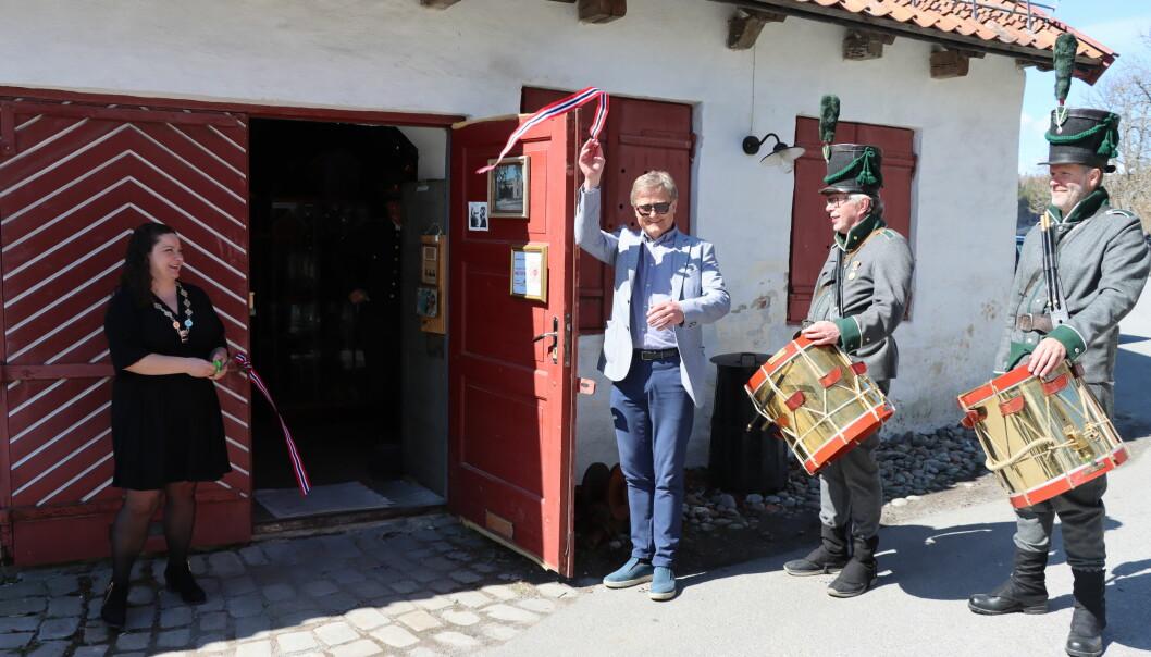 Norsk Fengselsmuseum er i trygge hender og gjenåpnet 8. mai. Ordfører Margrethe Haarr og Uno Arnesen fra Byen Vår sto for snorklippen. Øivind Roos og Bjørn Grønvold sto for trommeslag.