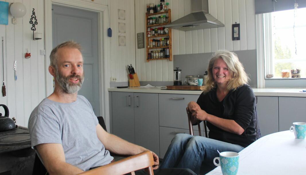 Frederik og Kristin Leguijt forteller at de først var skeptiske til å flytte til Norge, men da de dro hit på ferie i 2015 forelsket de seg i den norske naturen.