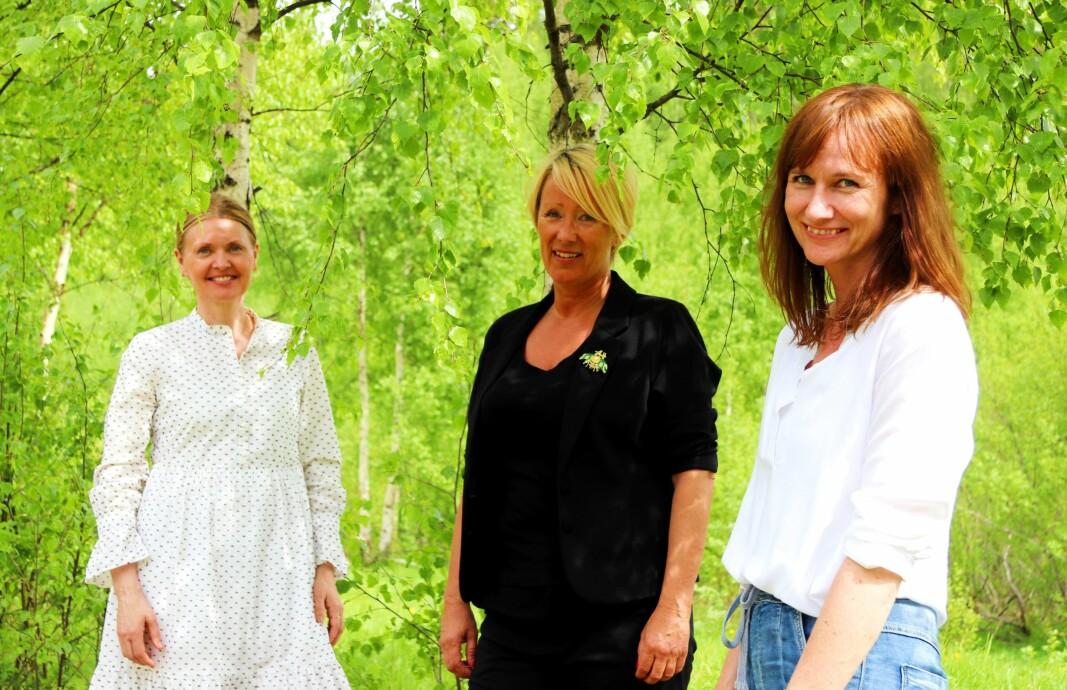 Fra venstre er Anne-Line Kamøy, Lena Godnes Iversen og Stine Raaden. De er blant dem som sørger for et bredt sommerskoletilbud.